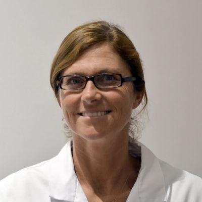 Dr. Julia Delomez
